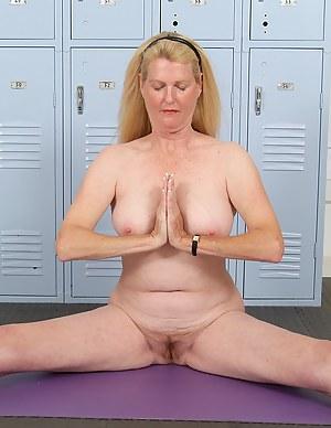Yoga MILF Porn Pictures