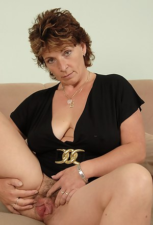 MILF Hairy Porn Pictures